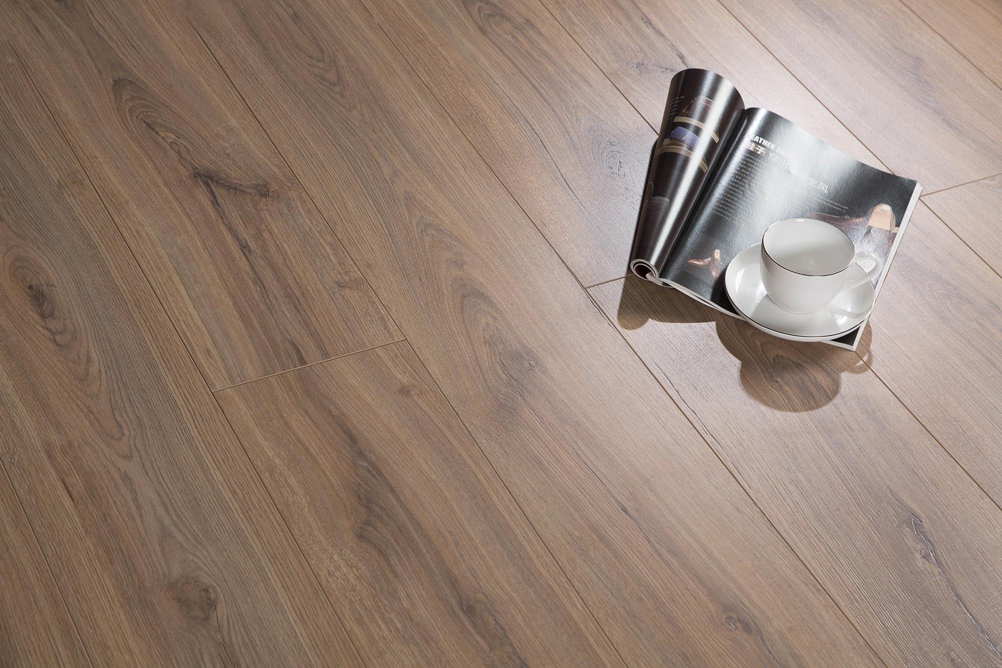 耶弗尔橡木强化地板